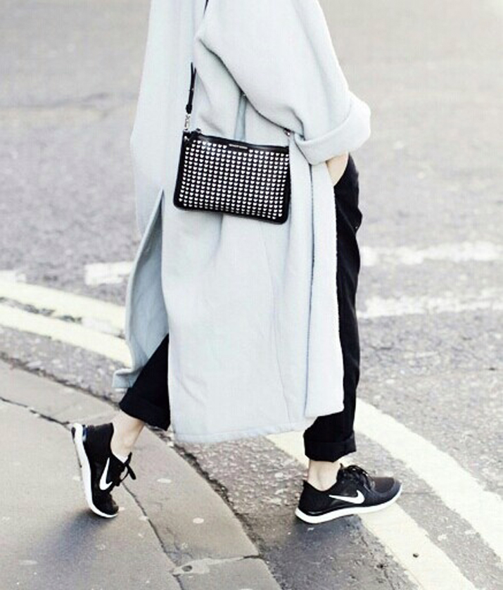 Outfit_with_sneakers-fashion_blog_Barcelona (11)