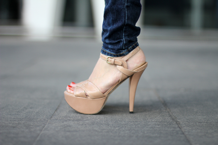 nude_shoes