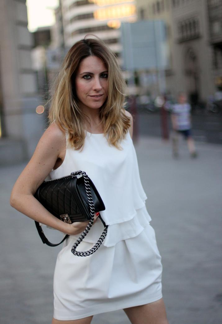 Boy_chanel_bag-black_and_white-look-blogger-barcelona-monica_sors (10)