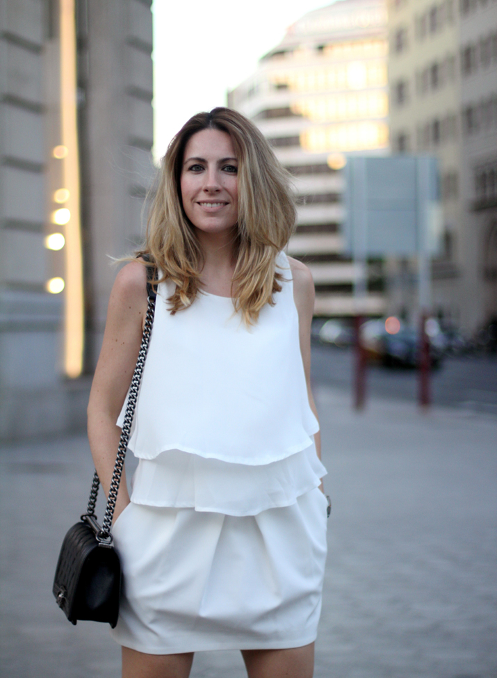 Boy_chanel_bag-black_and_white-look-blogger-barcelona-monica_sors (2)