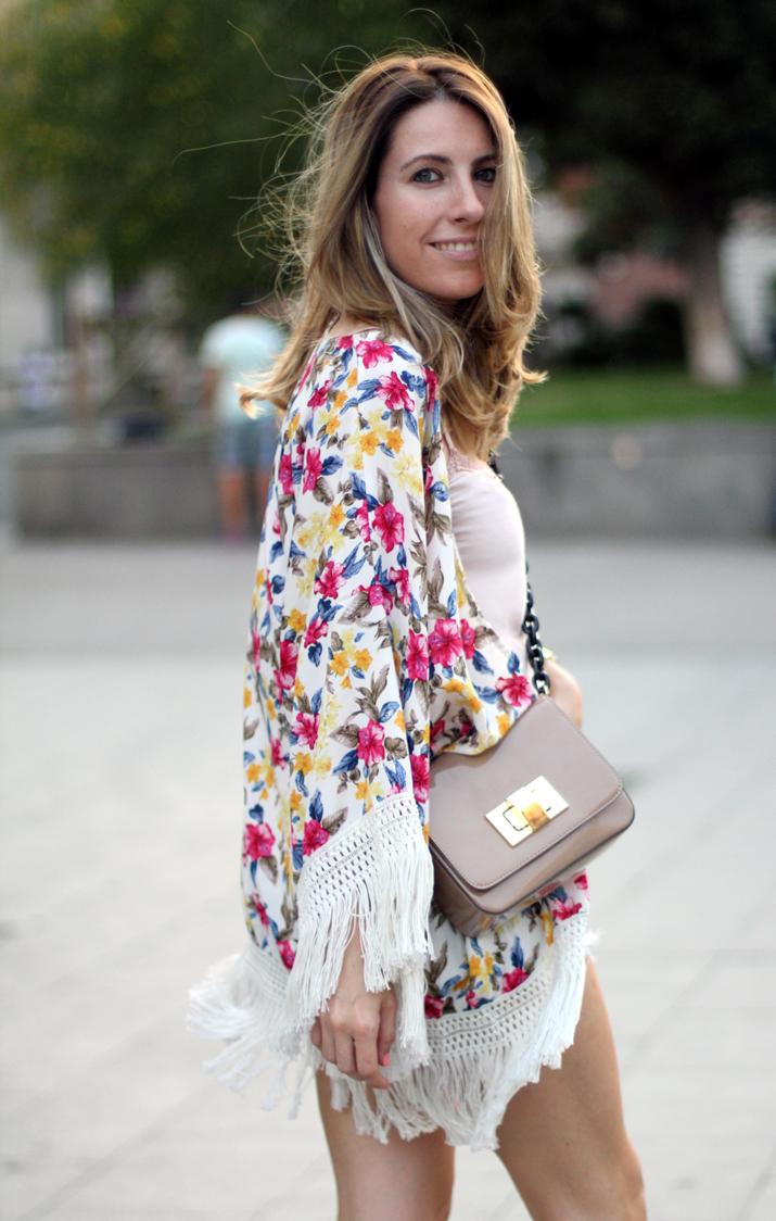 Floral_kimono-fashion_blogger_Barcelona-Monica_Sors (2)