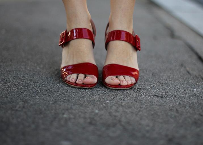 Prada_shoes_blogger