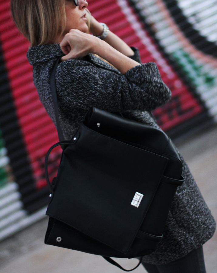 Black_Backpack (2)