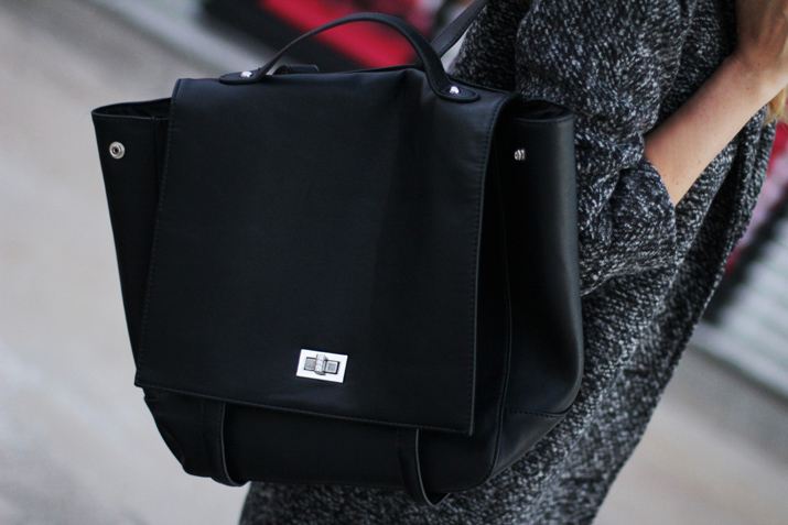 Black_Backpack (3)