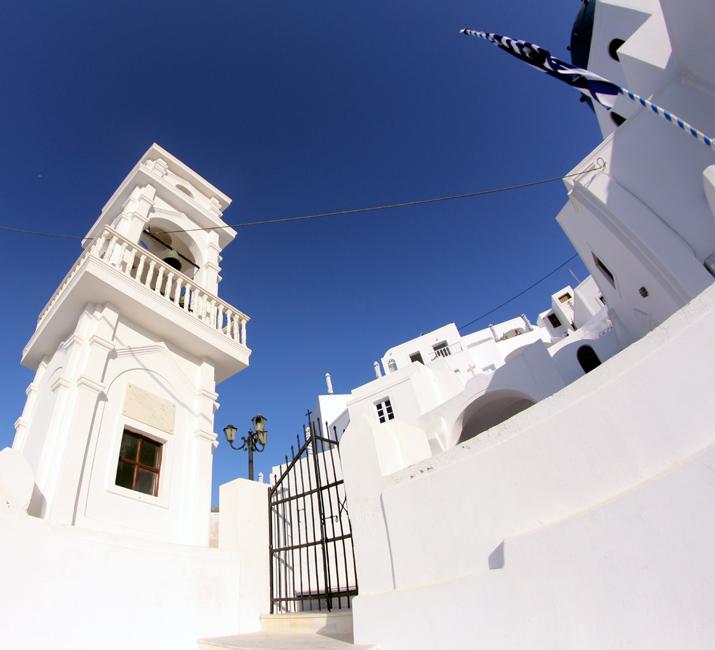 Santorini_Airbnb-Honeymoon_blogger (16)