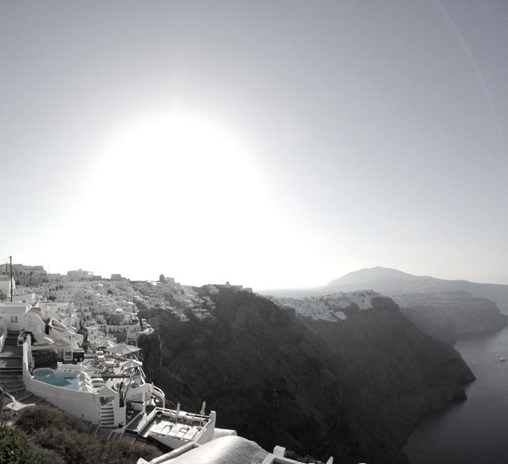 Santorini_Airbnb-Honeymoon_blogger (17)