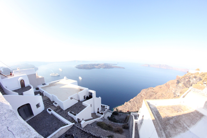 Santorini_Airbnb-Honeymoon_blogger (18)