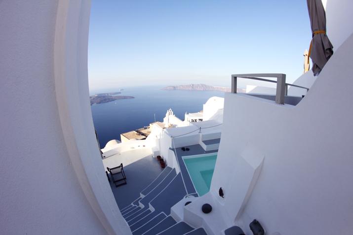 Santorini_Airbnb-Honeymoon_blogger (19)