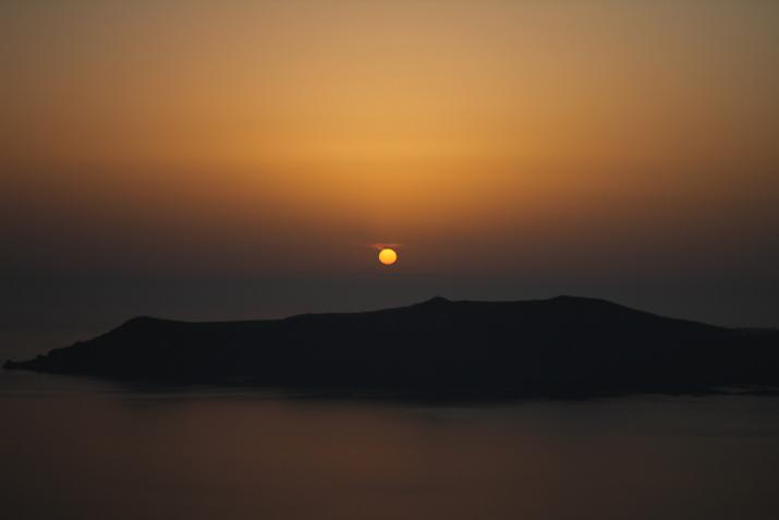 Santorini_Airbnb-Honeymoon_blogger (21)