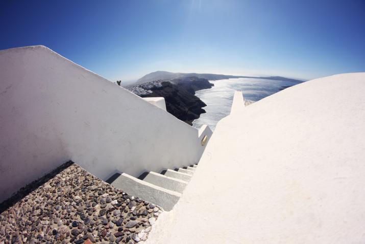 Santorini_Airbnb-Honeymoon_blogger (22)