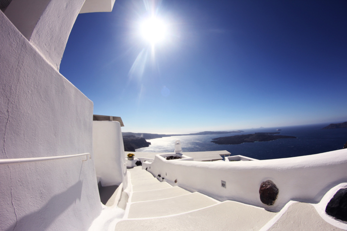 Santorini_Airbnb-Honeymoon_blogger (23)