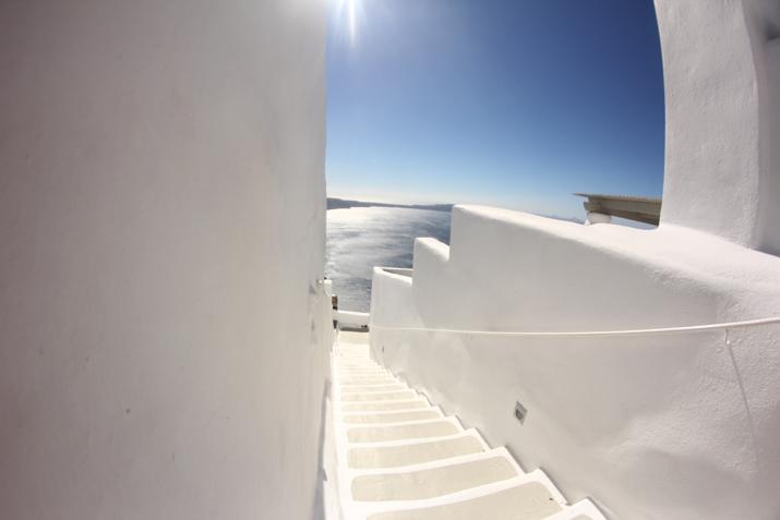 Santorini_Airbnb-Honeymoon_blogger (25)