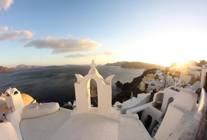 Santorini_travel_blogger (1)