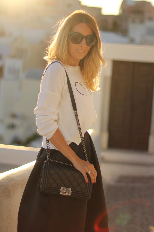 Santorini_travel_blogger (3)