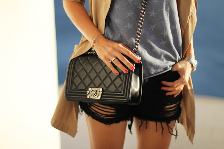 Boy_Chanel-outfit_Santorini (5)