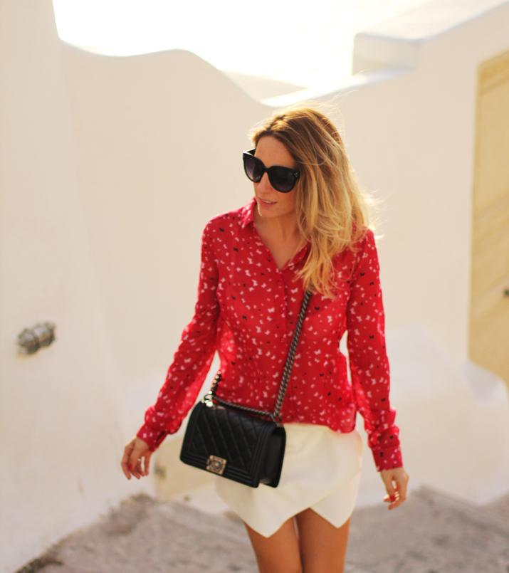 Boy_Chanel_outfit-Santorini_fashion_blogger (10)