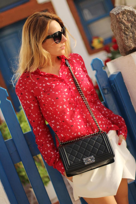 Boy_Chanel_outfit-Santorini_fashion_blogger (12)