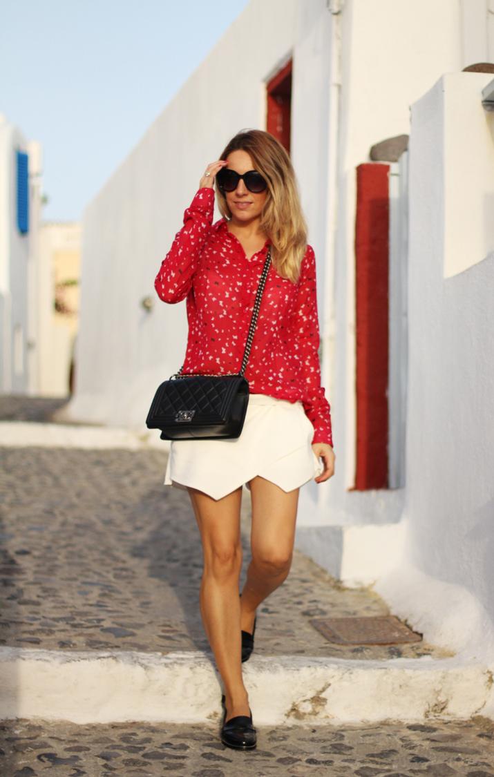 Boy_Chanel_outfit-Santorini_fashion_blogger (12)1