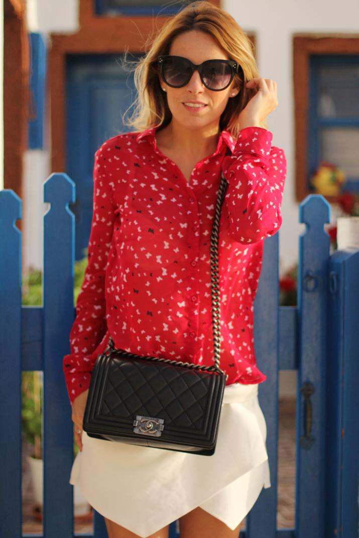 Boy_Chanel_outfit-Santorini_fashion_blogger (13)