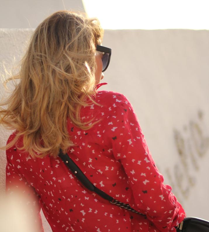 Boy_Chanel_outfit-Santorini_fashion_blogger (14)