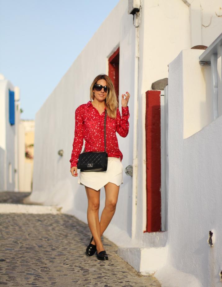 Boy_Chanel_outfit-Santorini_fashion_blogger (15)