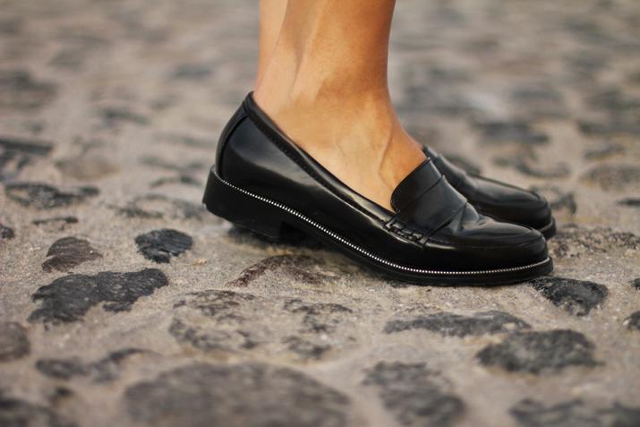 Boy_Chanel_outfit-Santorini_fashion_blogger (17)