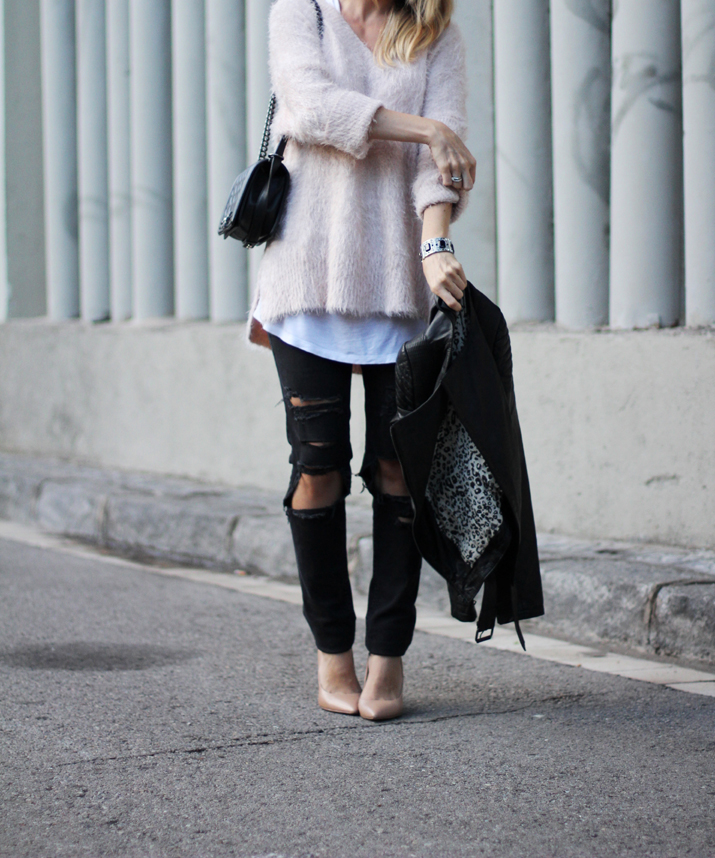 Chanel_Boy-and-ripped_jeans-blogger-Monica_Sors (11)