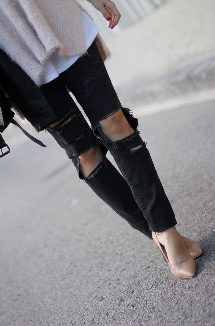 Chanel_Boy-and-ripped_jeans-blogger-Monica_Sors (13)