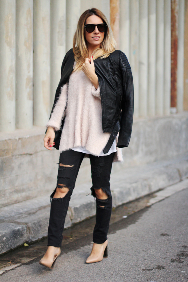Chanel_Boy-and-ripped_jeans-blogger-Monica_Sors (17)