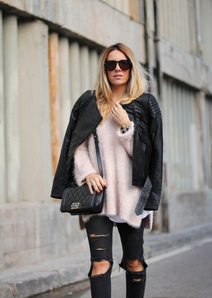 Chanel_Boy-and-ripped_jeans-blogger-Monica_Sors (18)