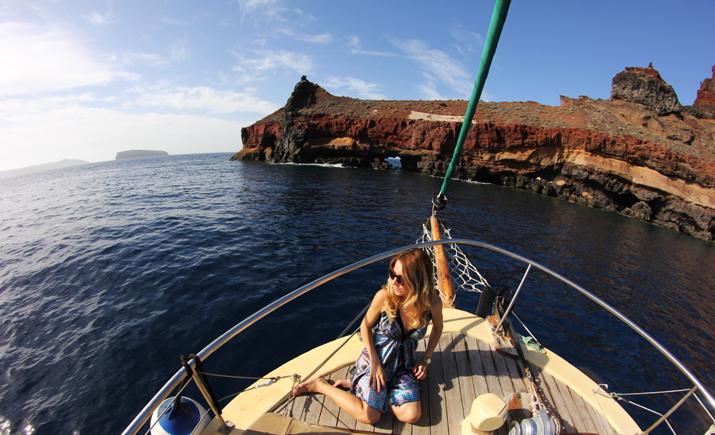 Traditional_greek_boat-oia-santorini (9)