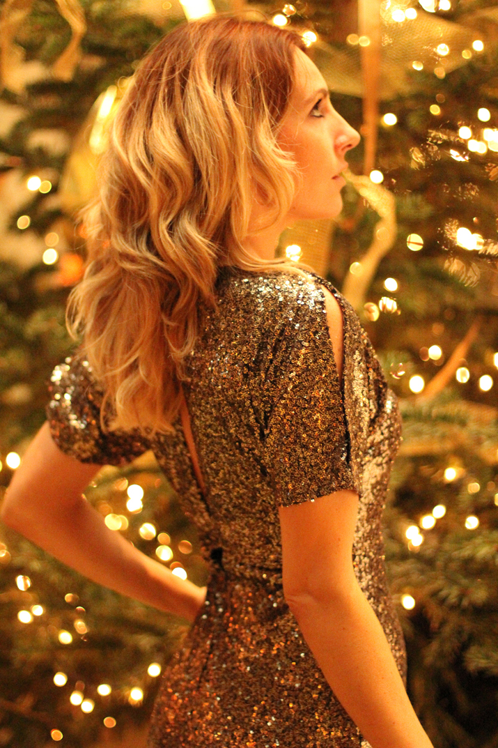 Christmas-outfit-paillettes-dress (13)