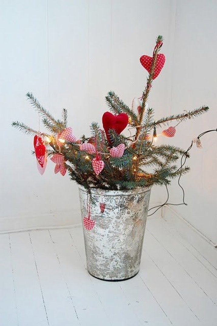 Scandinavian-Christmas-decoration (1)