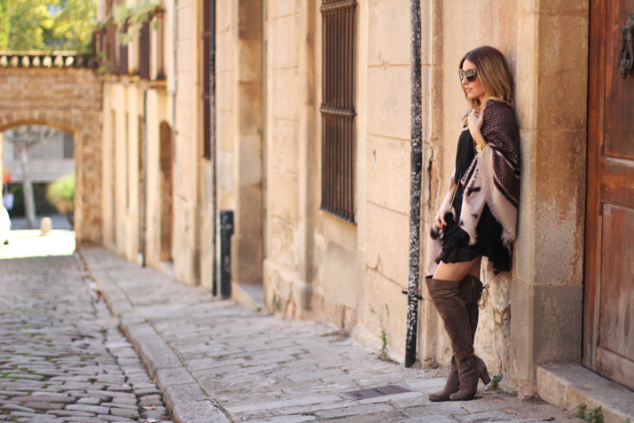 poncho-outfit-fashion-blogger-monica-sors (11)