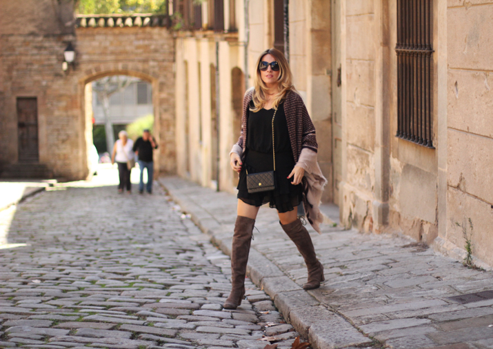 poncho-outfit-fashion-blogger-monica-sors (18)