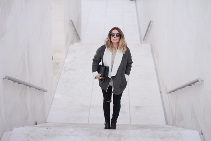 black-and-grey-outfit-fashion-blogger-Barcelona-Monica-Sors (5)