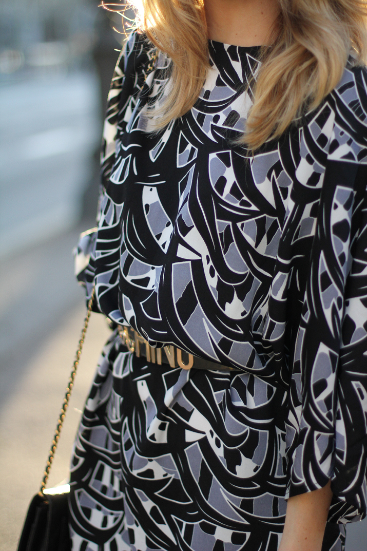 Moschino-belt-blogger-street-style (3)