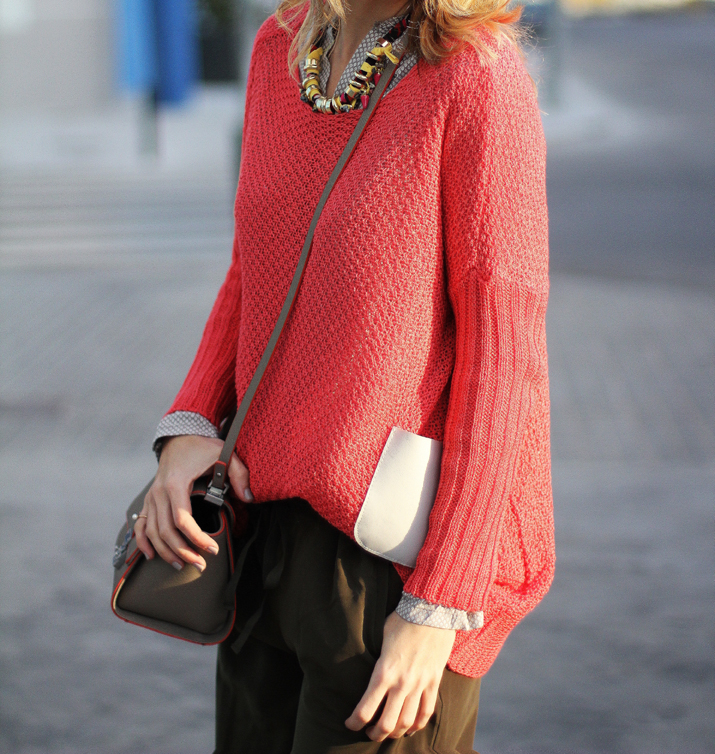 coral-sweater-outfit-blogger (11)