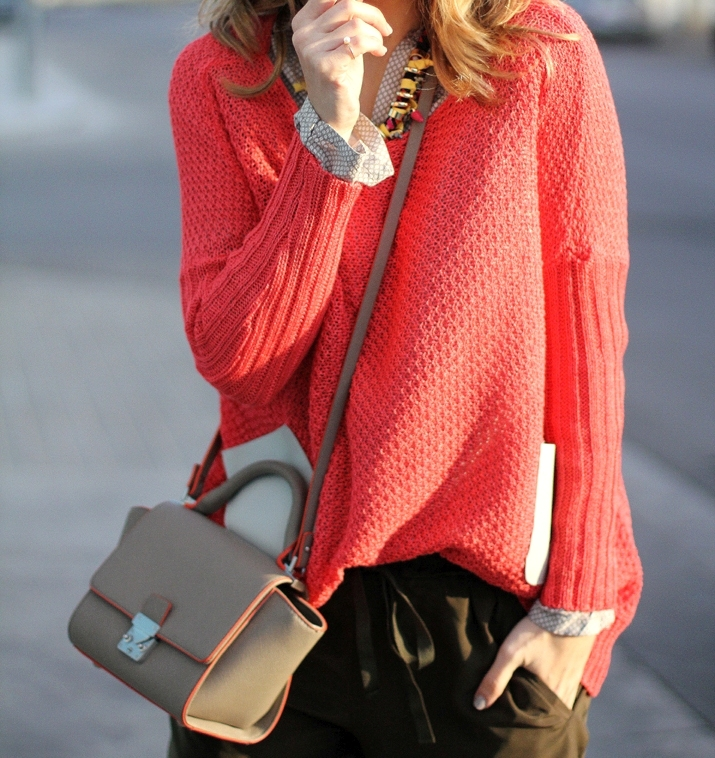 coral-sweater-outfit-blogger (112)
