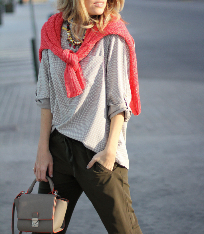 coral-sweater-outfit-blogger (2)