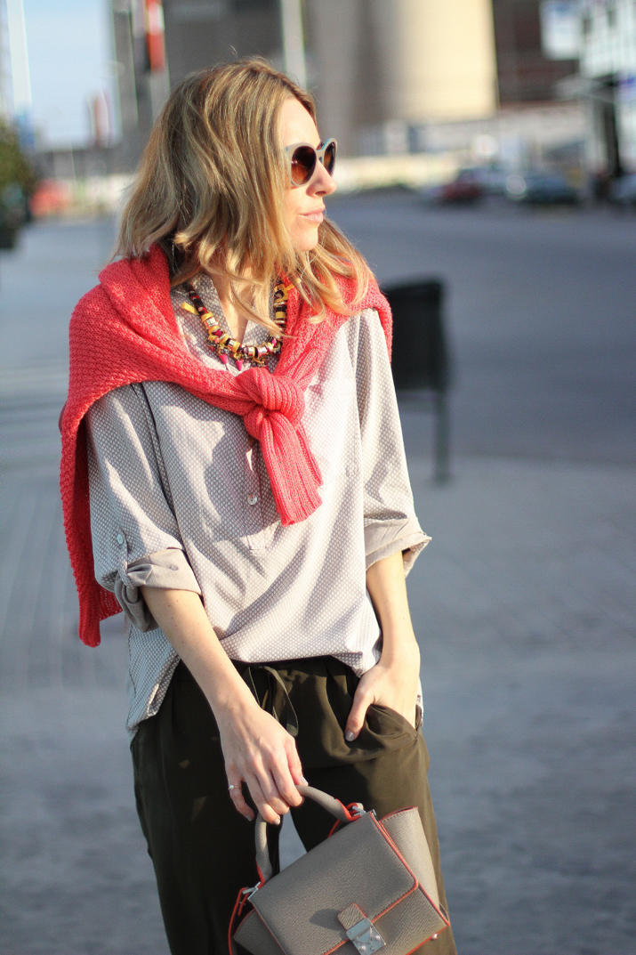 coral-sweater-outfit-blogger (4)