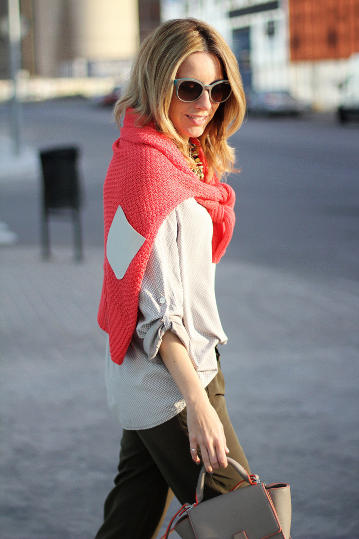 coral-sweater-outfit-blogger (5)
