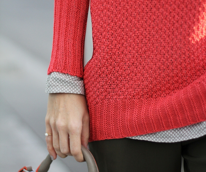 coral-sweater-outfit-blogger12 (1)