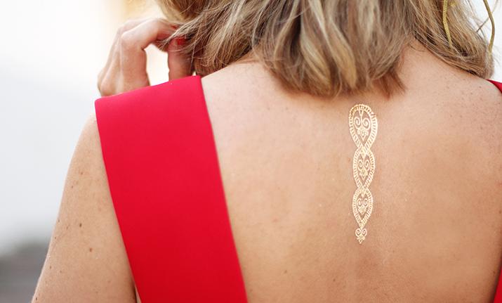 tatuaje-dorado-look