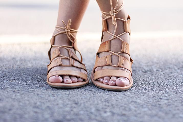 gladiator-sandals-blogger