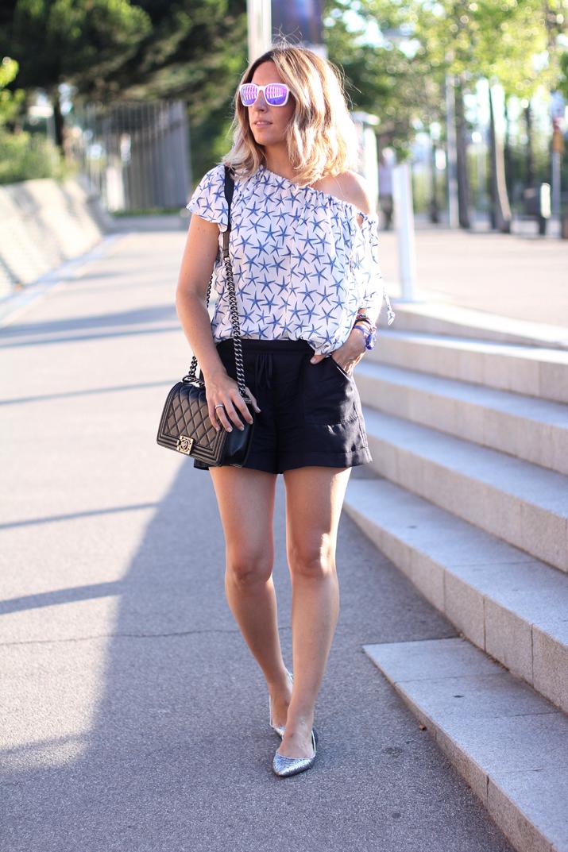 Boy-Chanel-bag-fashion-blogger-Mes-Voyages-a-Paris (7)