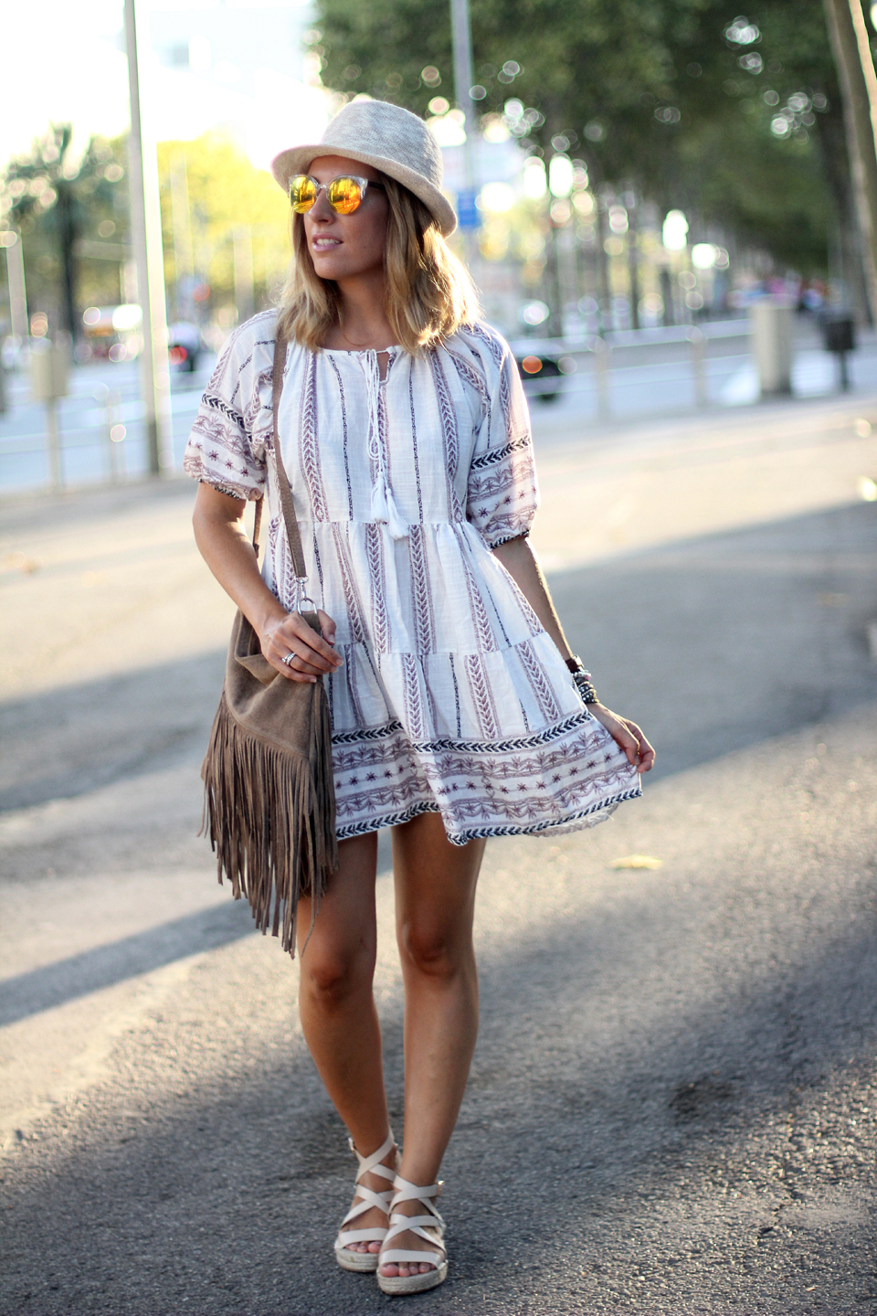 Embroidered-dress-blogger-barcelona (7)