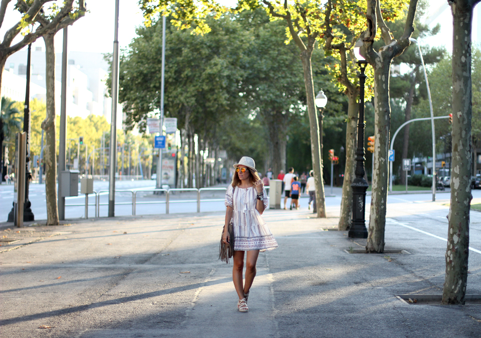 Embroidered-dress-blogger-barcelona (8)