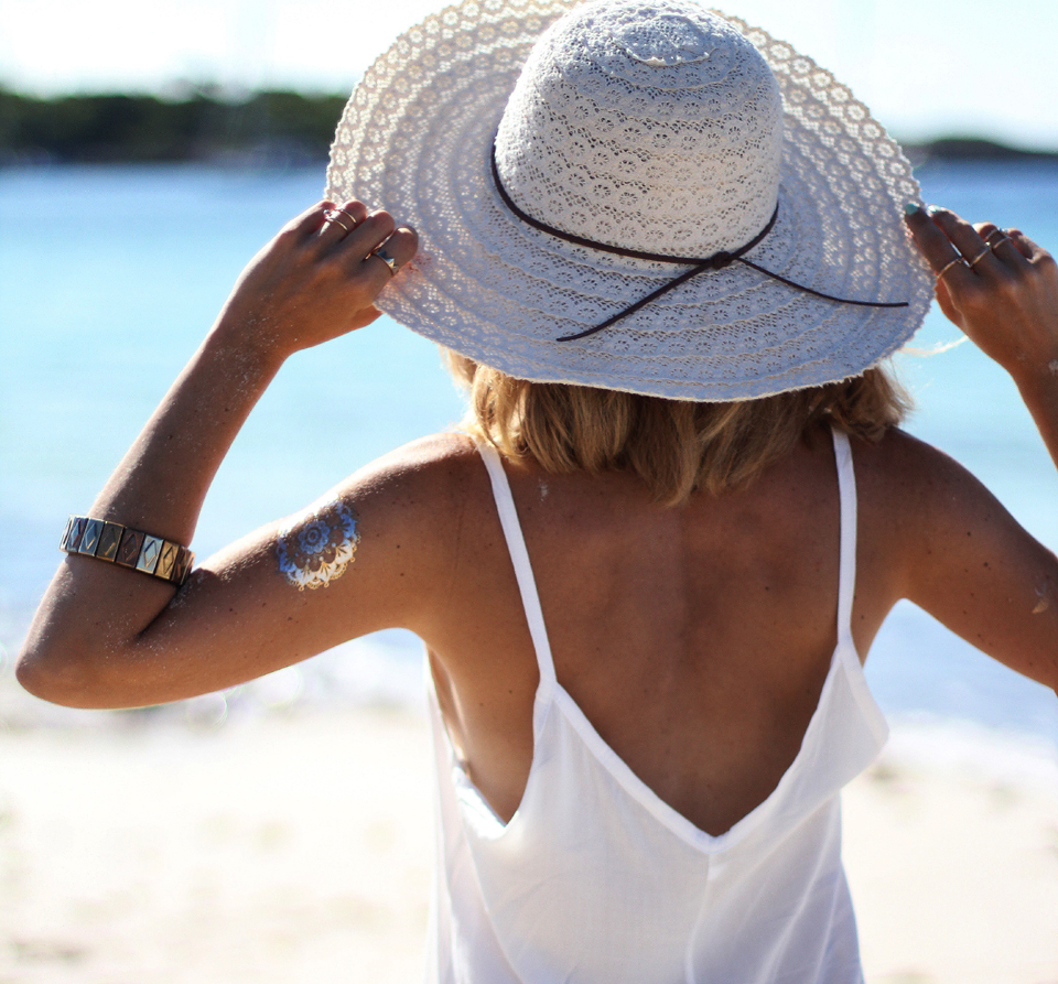 white-beach-dress-fashion-blogger (6)