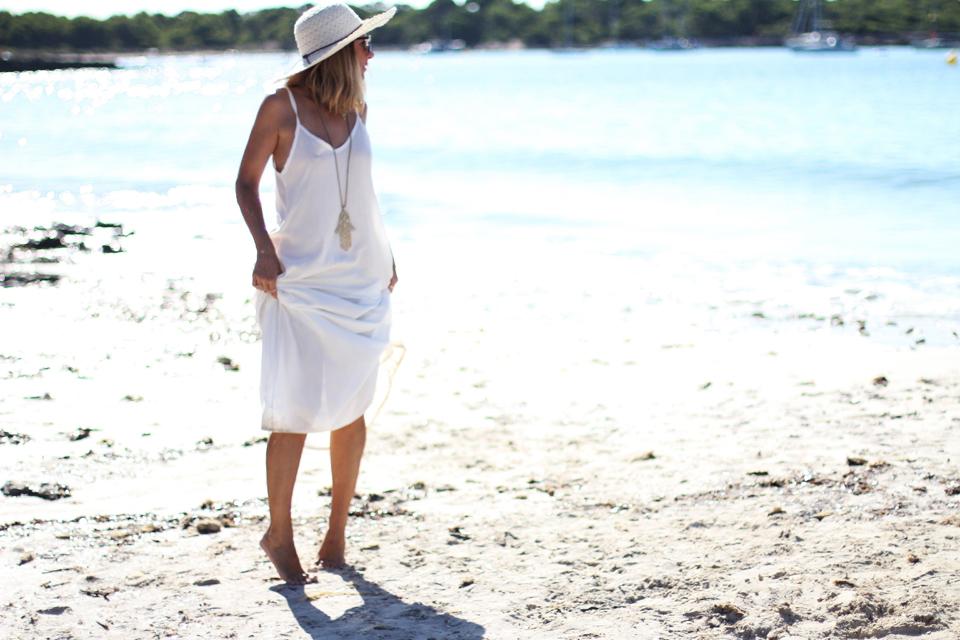 white-beach-dress-fashion-blogger (8)